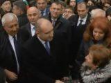 "НА ЖИВО: Радев и Йотова поведоха шествието в памет на Левски под звуците на ""Стани, стани, юнак балкански"""