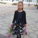 """Първокласничката Виктория Веселинова Митева от СУ """"П. Р. Славейков"""" в Добрич пожелава на…"""