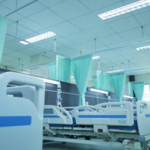 Спират плановия прием и плановите операции въввсички болници в червените зонина страната